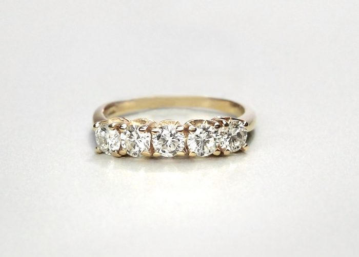 5 stone gold ring