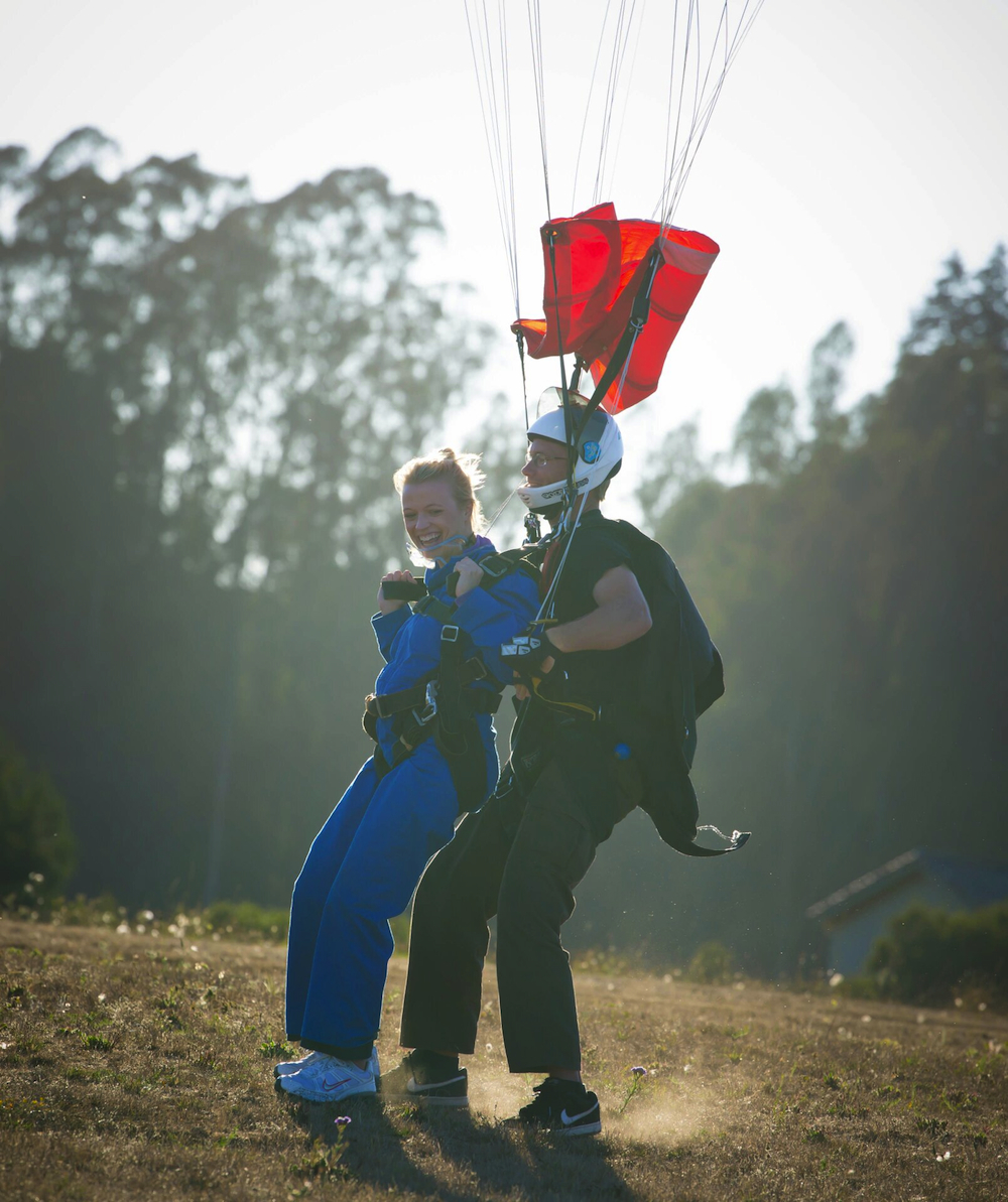 Image 4 of Sky Diving Marriage Proposal