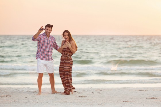 Marriage Proposal on the Beach_133725_low