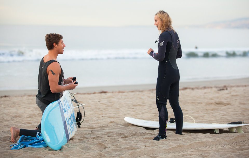 Surfing Marriage Proposal _ Cool Marriage Proposal Ideas_1091