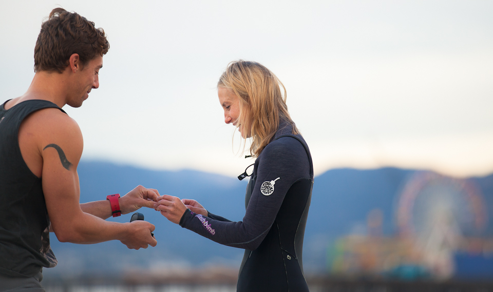 Surfing Marriage Proposal _ Cool Marriage Proposal Ideas_1142