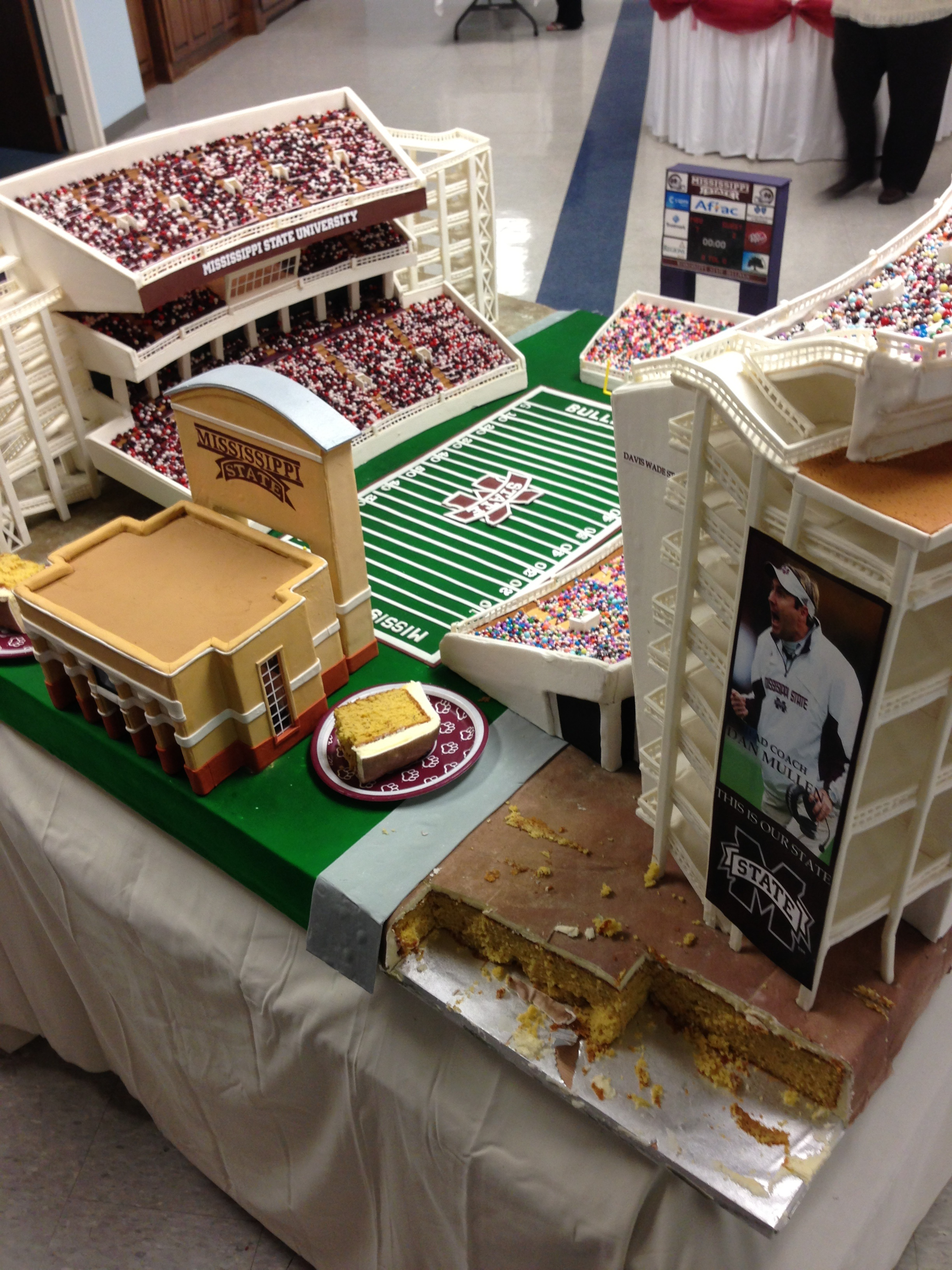 groom's cake for sports fans