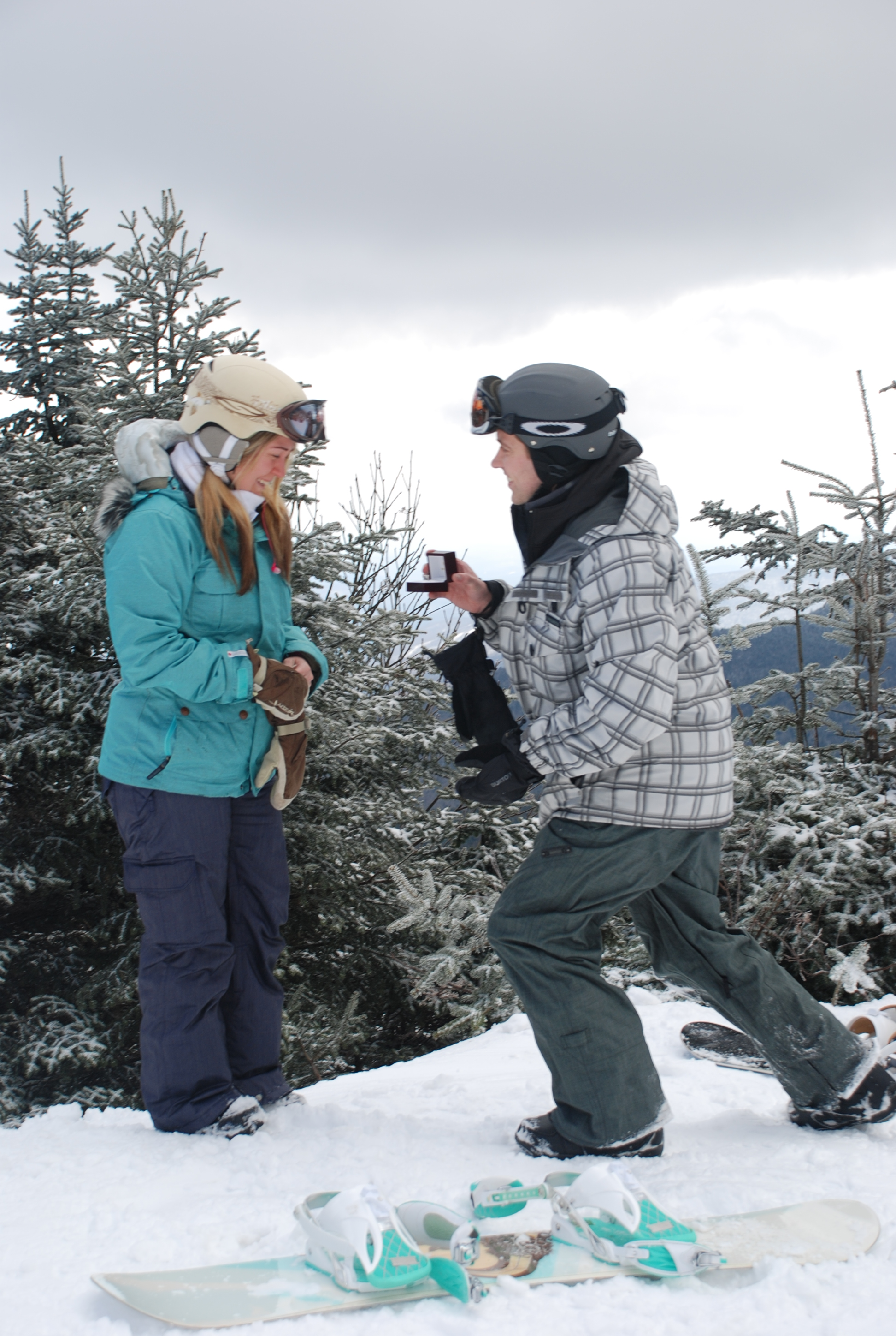 Image 3 of Kate and Chris | Snowboard Proposal