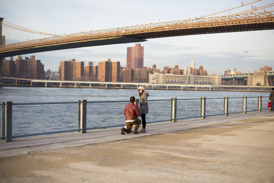 Proposal Photography in Brooklyn and Manhattan_ Proposal at the Brooklyn Bridge_2of39_low