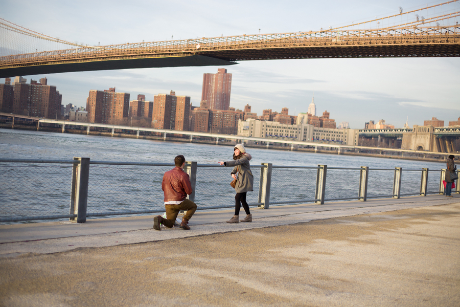 Proposal Photography in Brooklyn and Manhattan_ Proposal at the Brooklyn Bridge_4of39_low