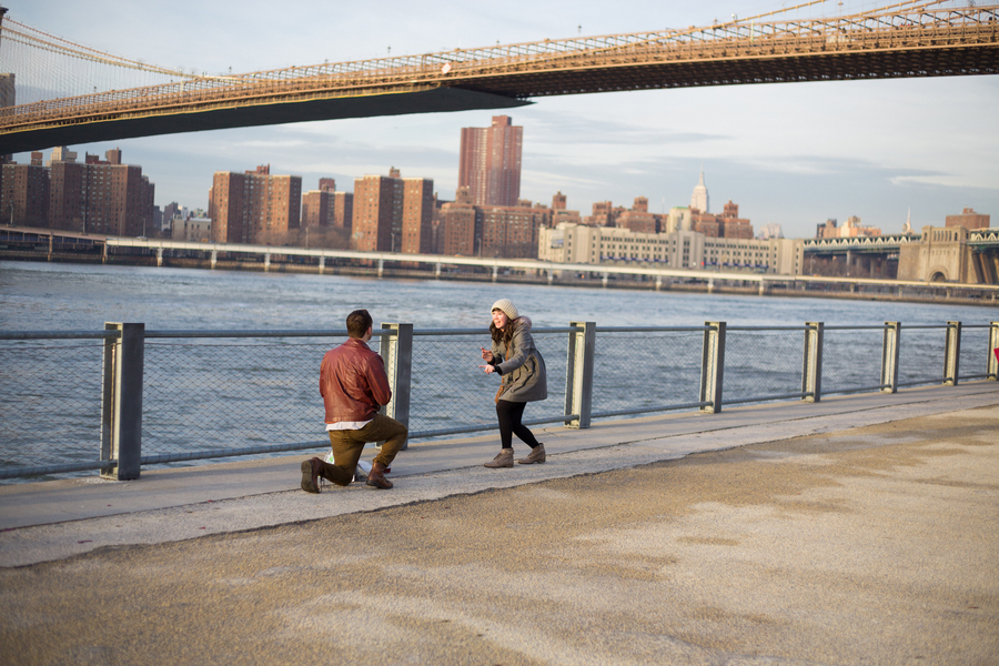 Proposal Photography in Brooklyn and Manhattan_ Proposal at the Brooklyn Bridge_5of39_low