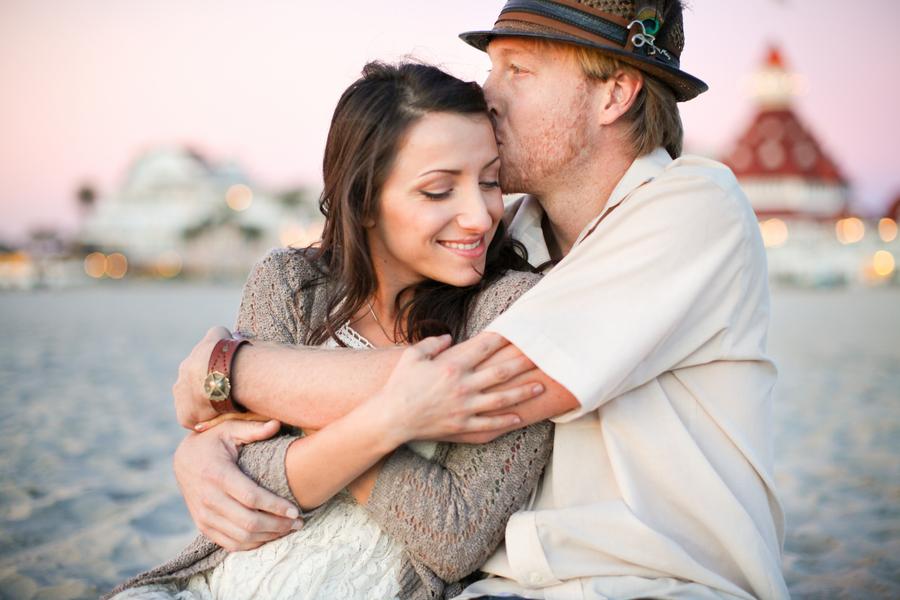 Image 3 of Seth and Erinda | Beachy Engagement Shoot