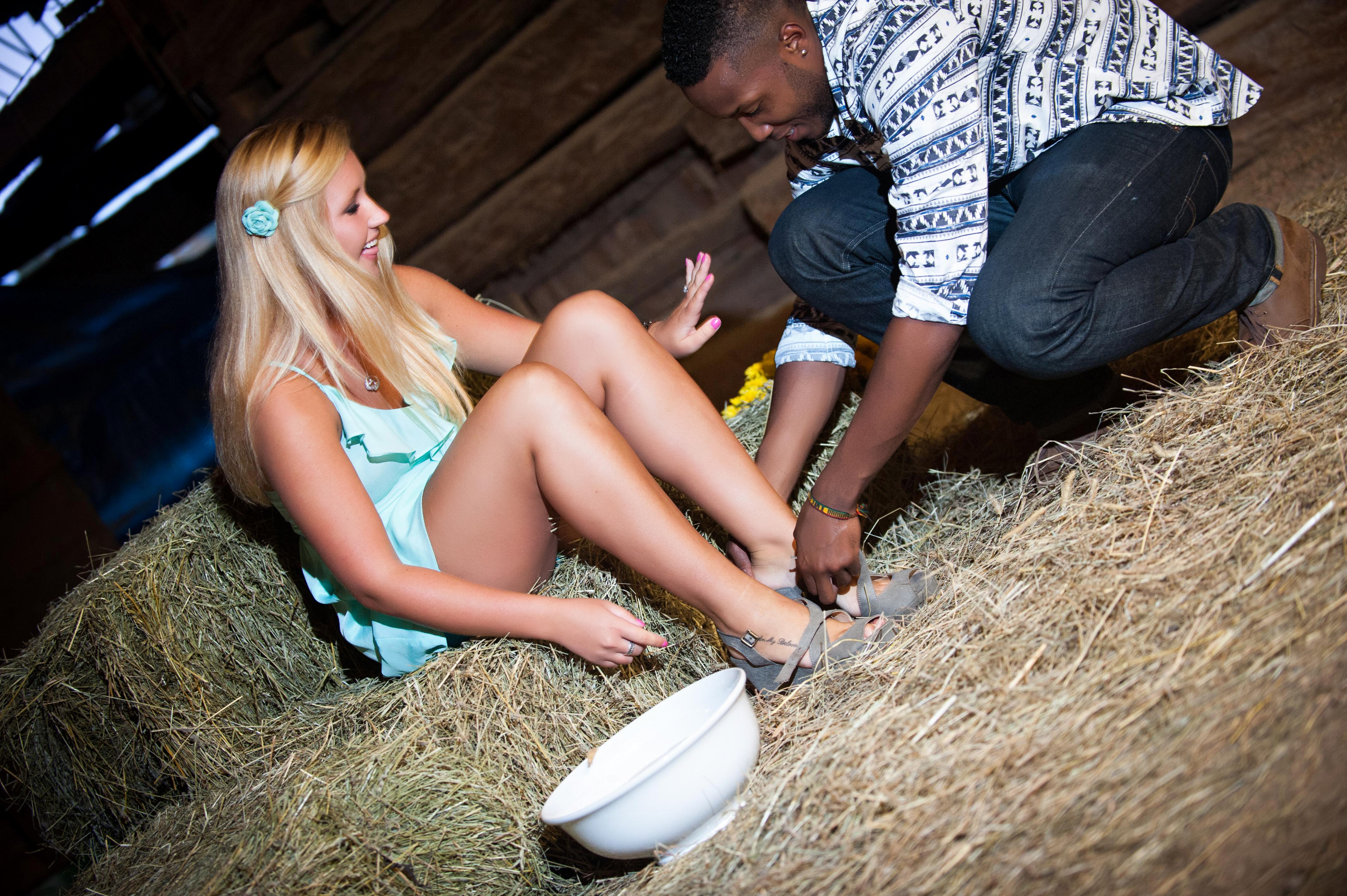 Image 14 of Jessica and De'Angelo | Barn-Style Proposal