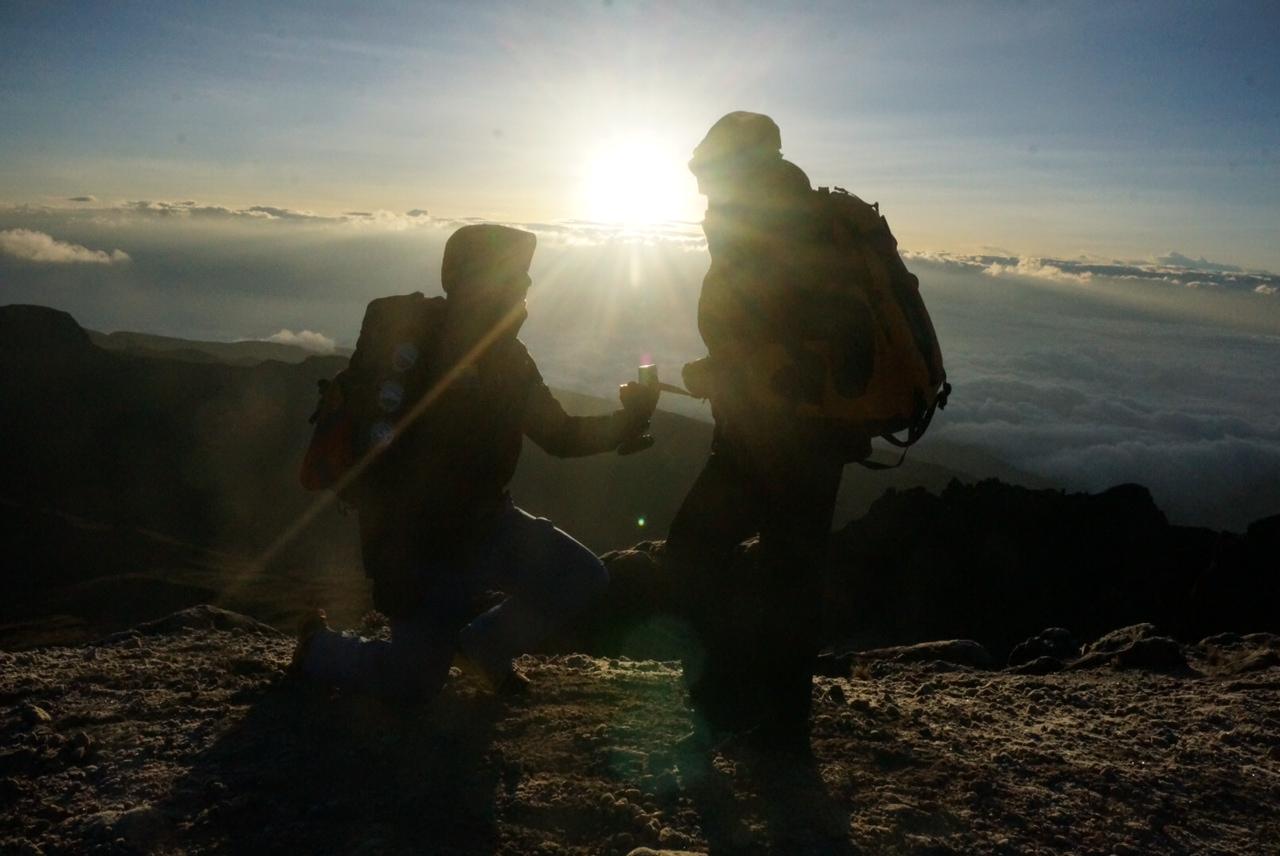 Image 3 of Viroselie and Daniel | Summit Proposal