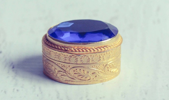Image 7 of Unique Engagement Ring Boxes You'll Want Immediately