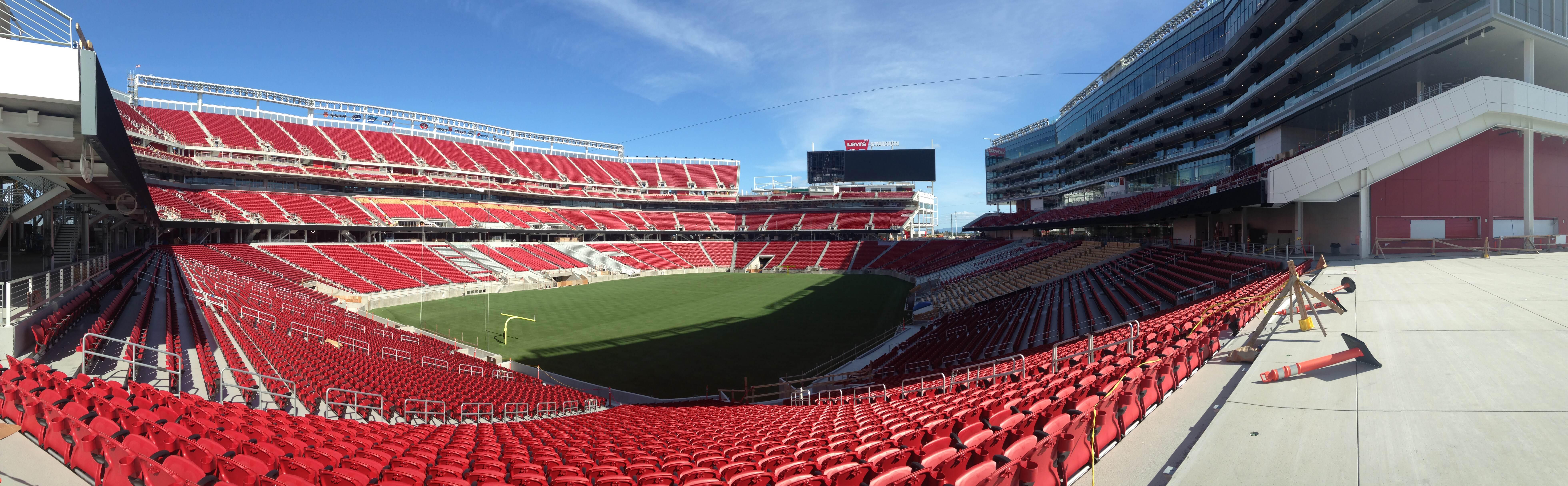 Image 3 of Scott & Sarah: 49ers Fan Proposes in New Stadium