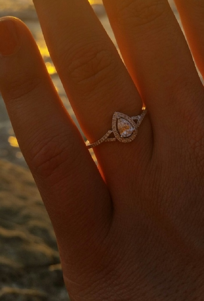 Beautiful Beach Proposal Idea (2)