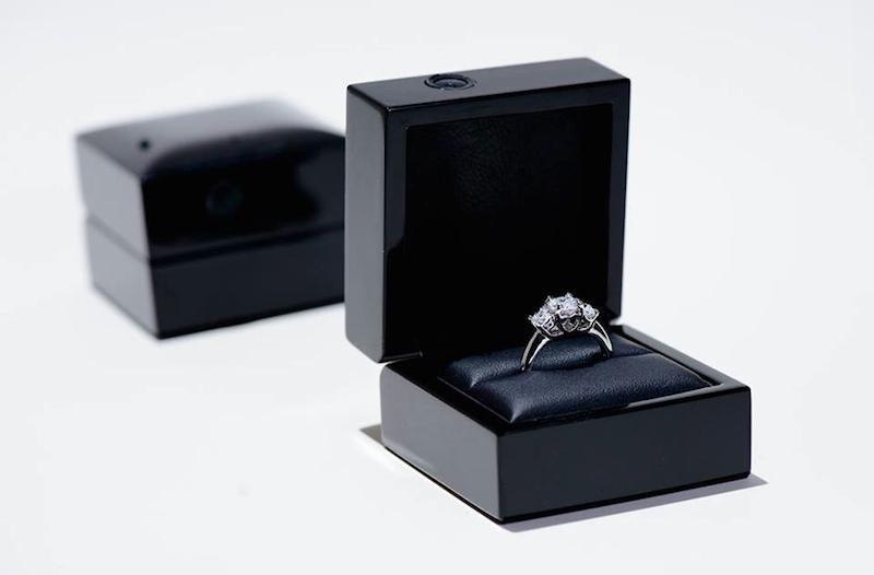 15 truly unique engagement ring boxes
