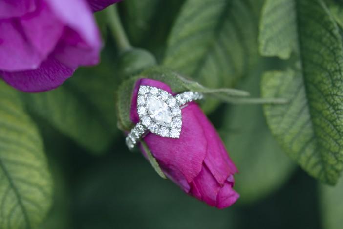 EngagementRings_WeddingRings_BrittanyBekasPhotography_BrittanyBekasPhotography12_0_low
