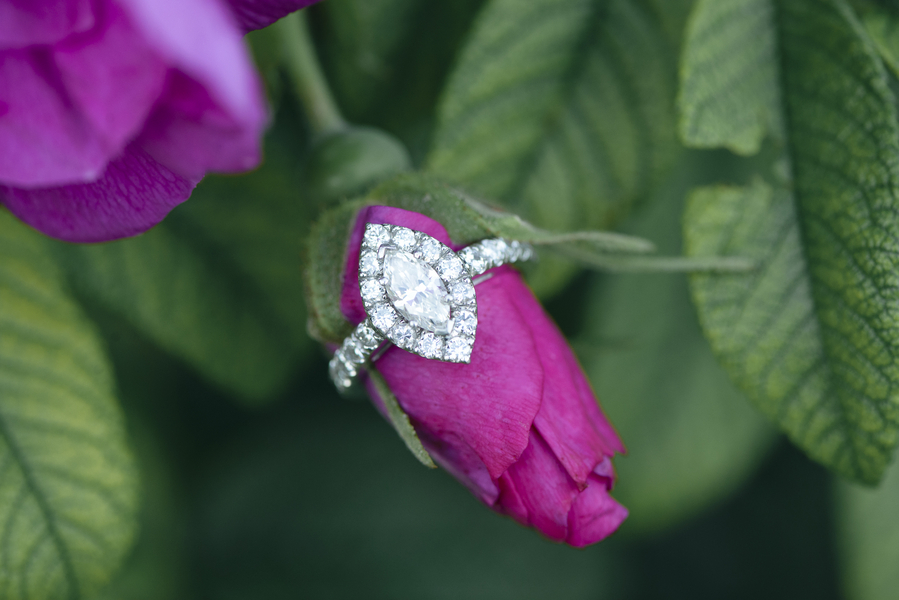 EngagementRings_WeddingRings_BrittanyBekasPhotography_BrittanyBekasPhotography12_0_low