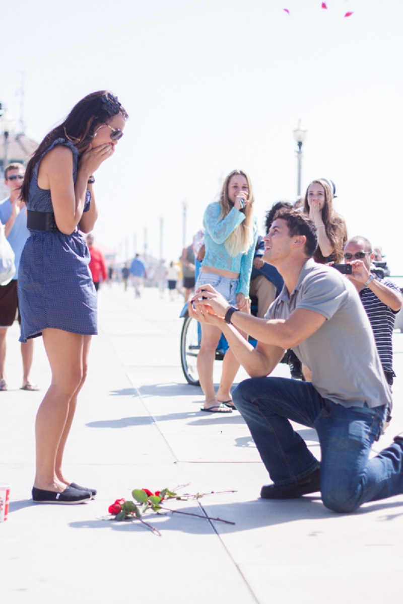 Flash Mob Proposal on the Pier (7)
