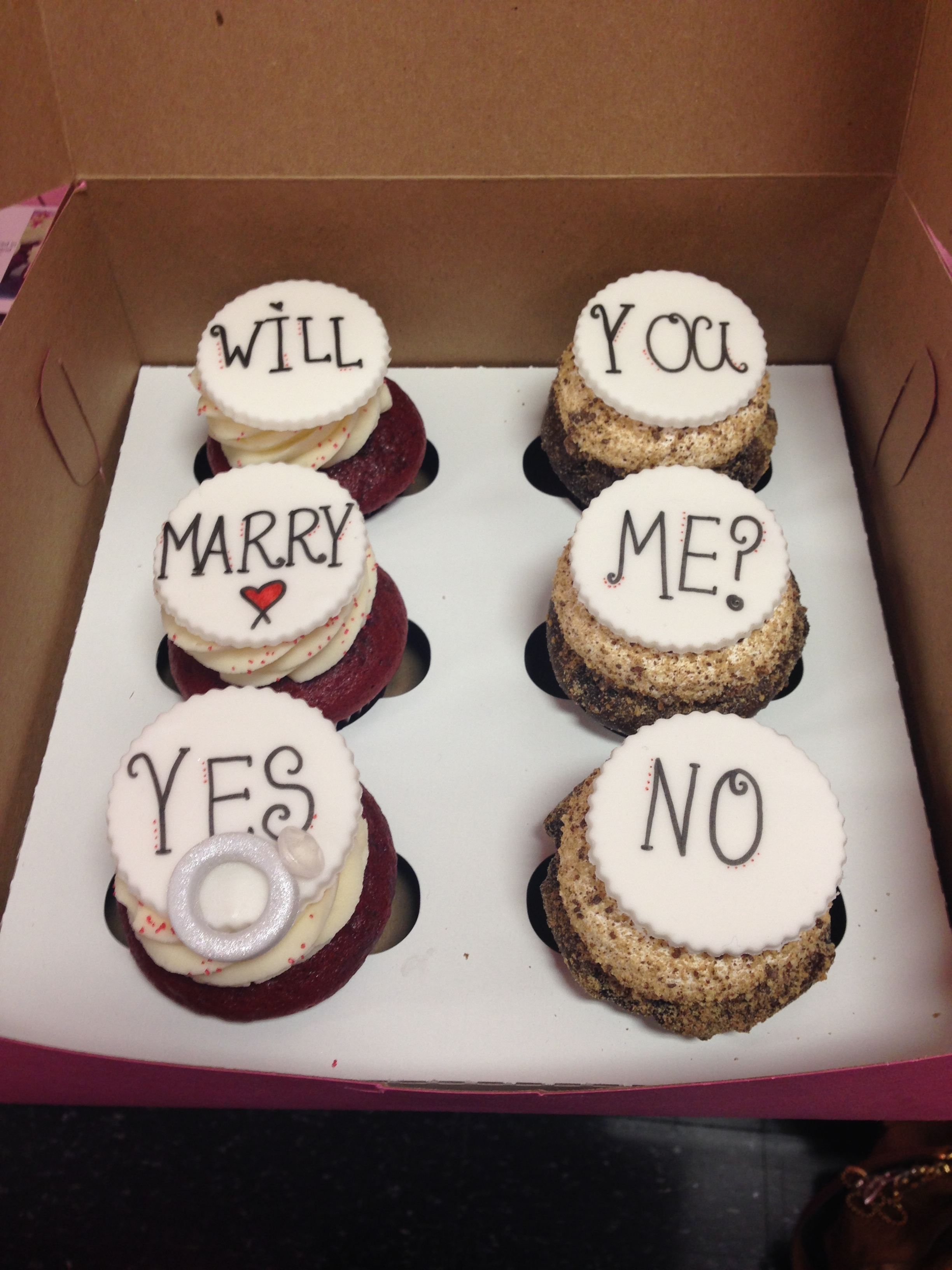 cupcake marriage proposal
