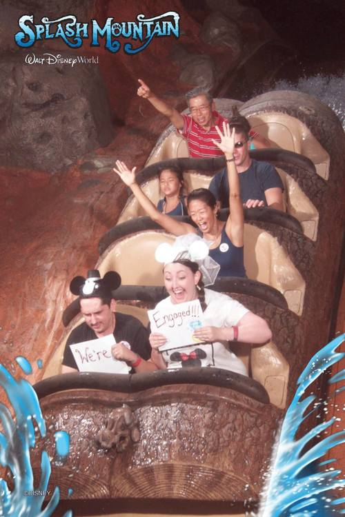 Splash-Mountain-Disney-Engagement-Photo