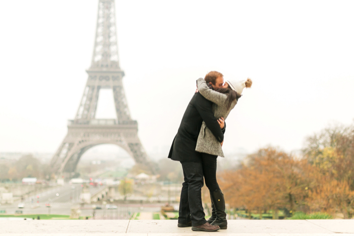 amazing marriage proposal in paris at eiffel tower-25