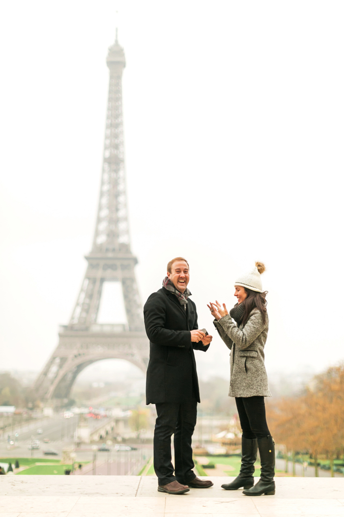 amazing marriage proposal in paris at eiffel tower-26