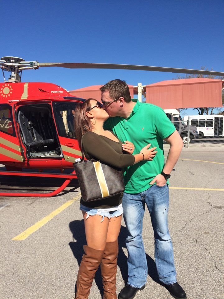 Helicopter-Kiss pic
