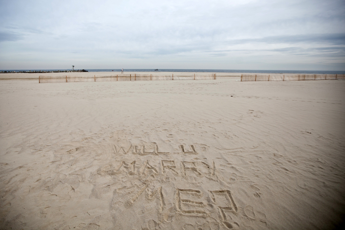 Marriage Proposal Written in the Sand _ Beach PRoposal Ideas524