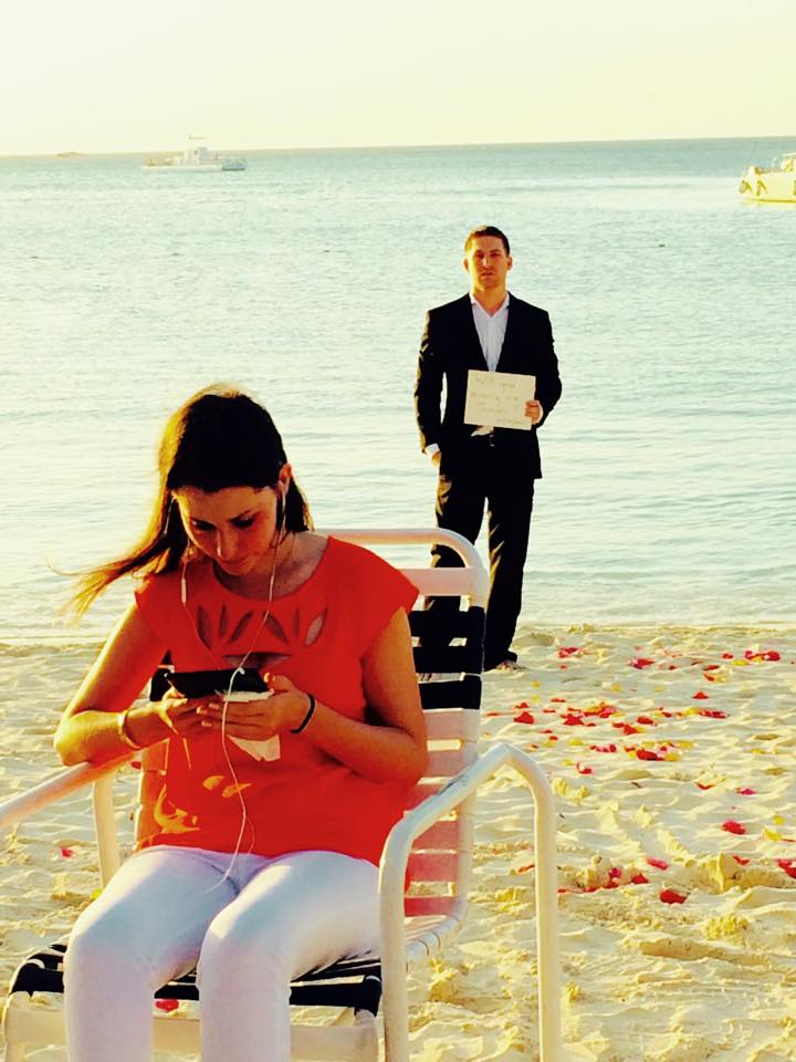 Romantic Video Proposal on the beach (2)