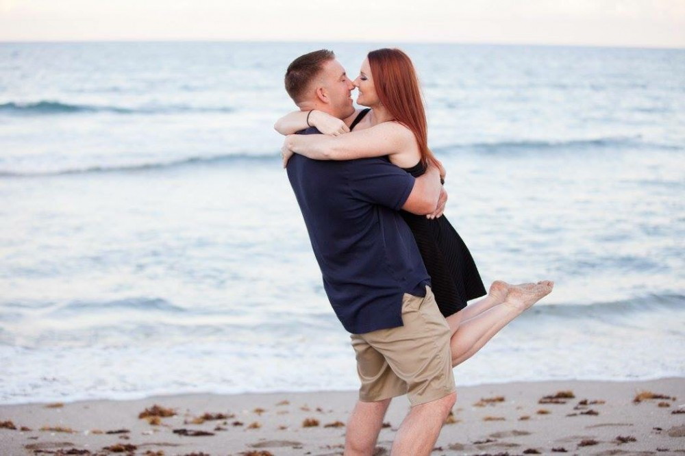 Image 4 of Melissa and Sean's Beach Proposal