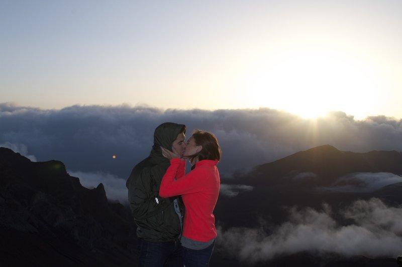 Image 4 of Veronica and Michael's Hawaiian Proposal