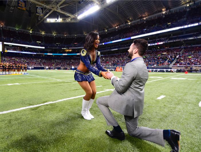 st louis rams marriage proposal_ cheerleader proposal on field_vak 12