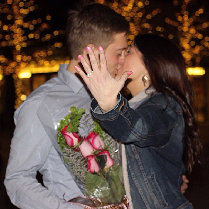 Surprise Proposal At The Airport (7)
