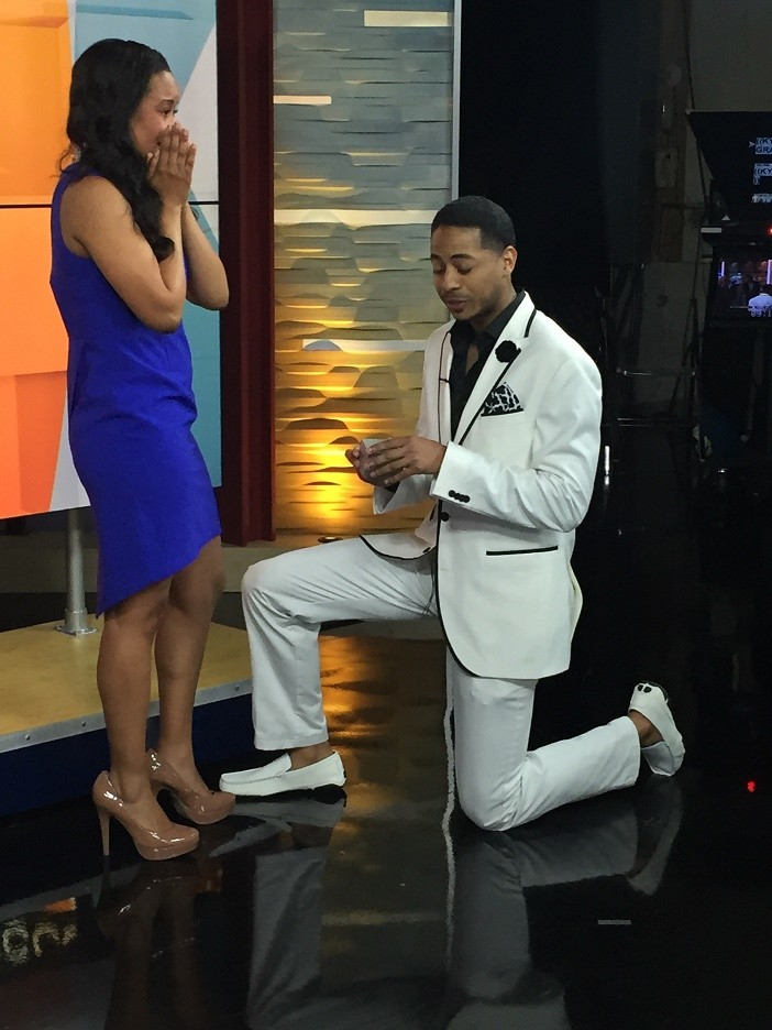 News Anchor Gets Engaged on Air (7)