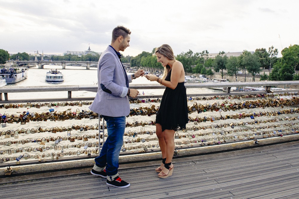 Love Lock Marriage Proposal in Paris_4