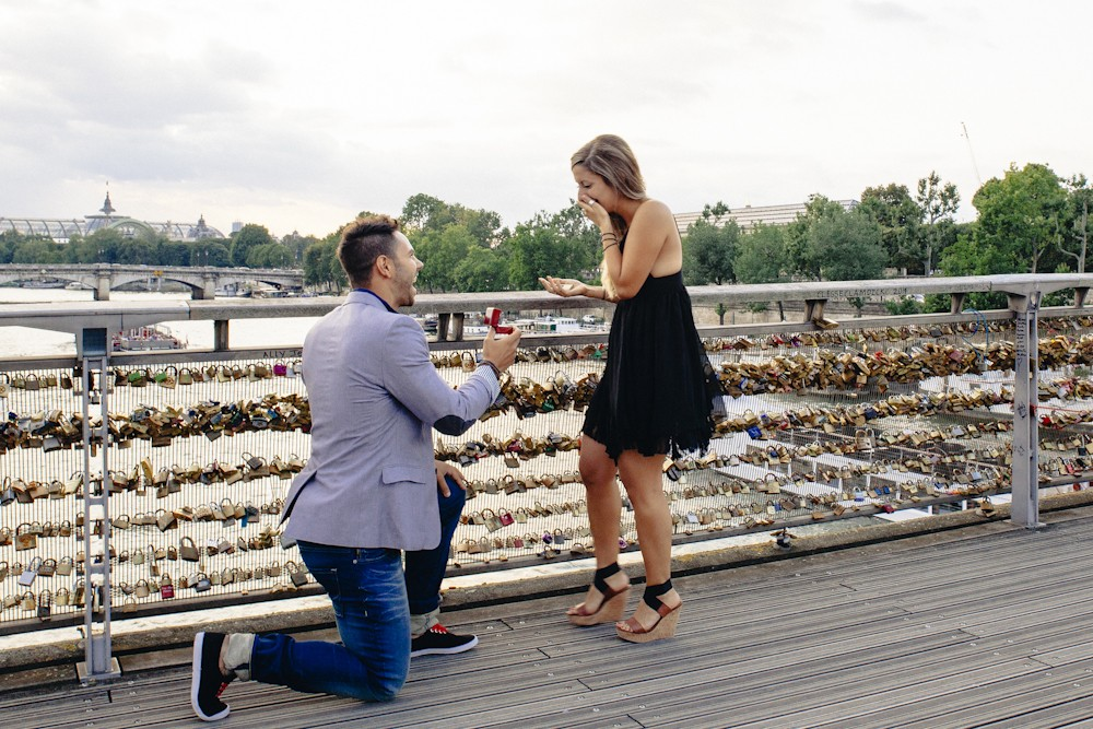 Love Lock Marriage Proposal in Paris_7