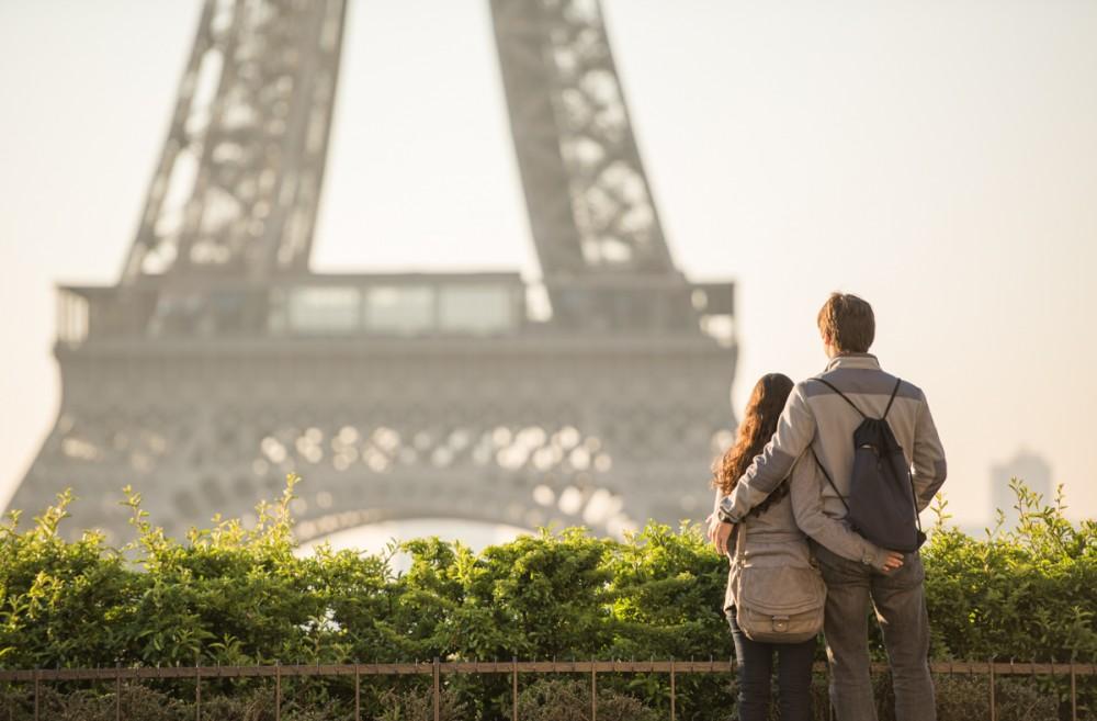 Romantic Marriage Proposal in Paris_1