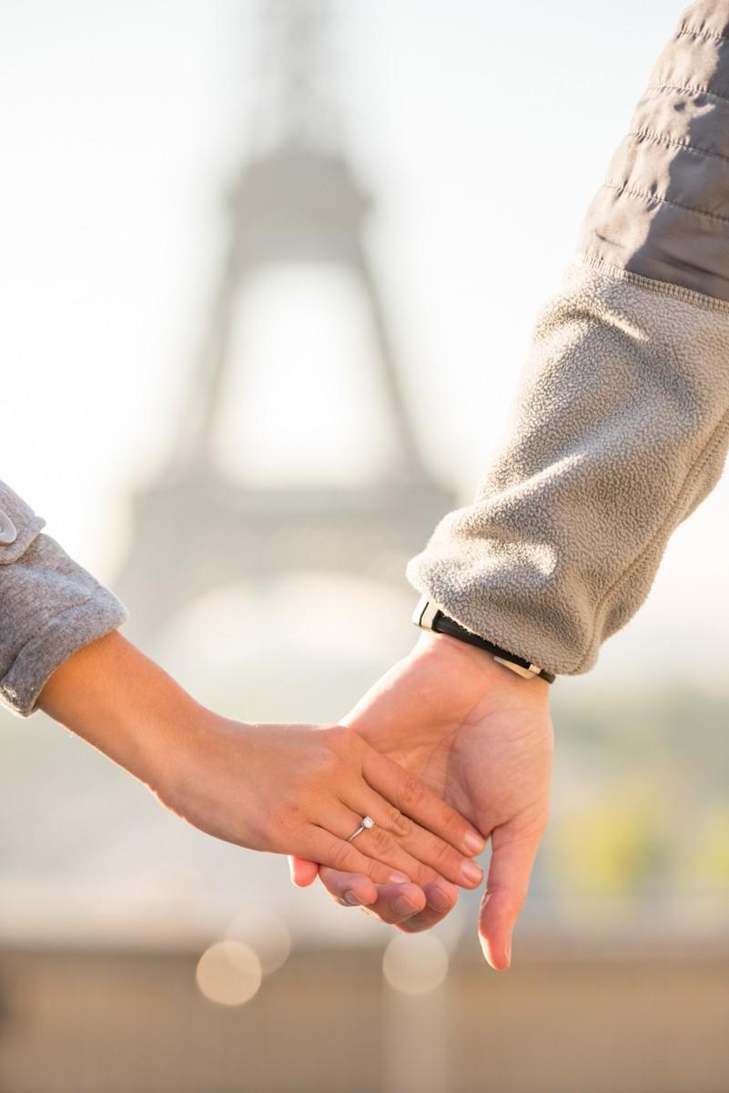 Romantic Marriage Proposal in Paris_12
