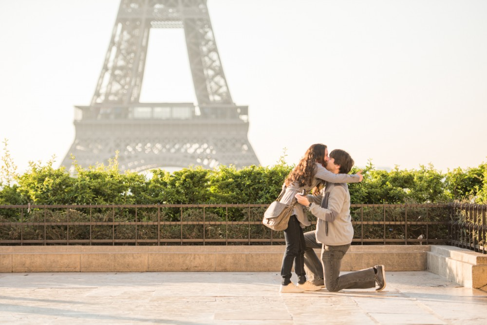 Romantic Marriage Proposal in Paris_5