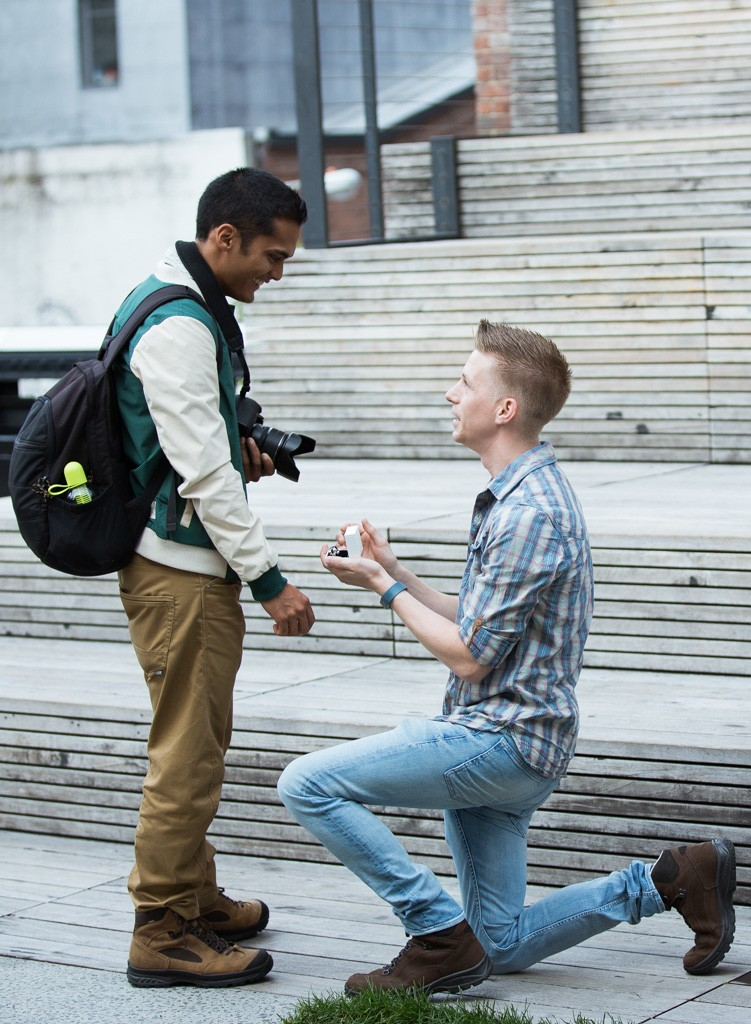 Same Sex Marriage Proposal on the High Line in New York City_5