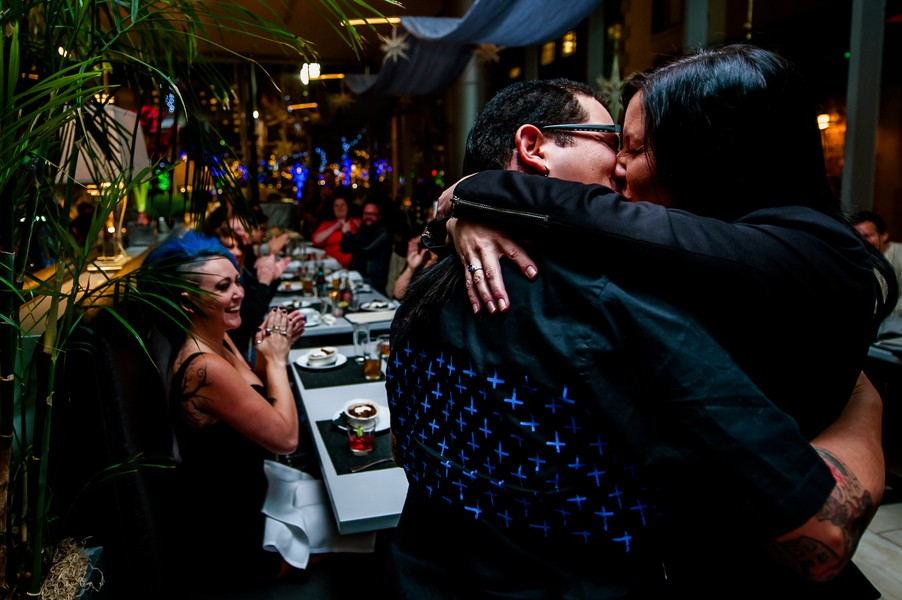 Surprise Marriage Proposal at Dinner with Friends_3
