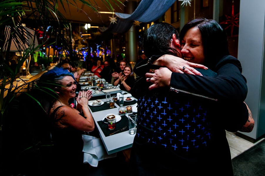 Surprise Marriage Proposal at Dinner with Friends_4