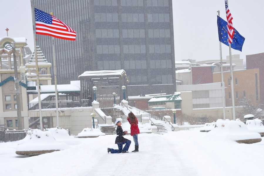 Image 3 of A Snowy Photoshoot Turns Into a Surprise Marriage Proposal