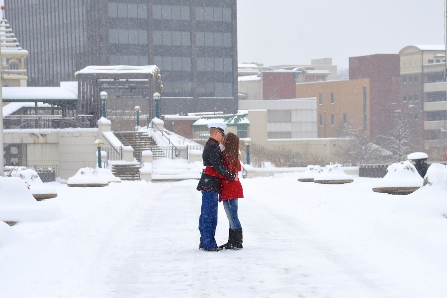 Image 6 of A Snowy Photoshoot Turns Into a Surprise Marriage Proposal