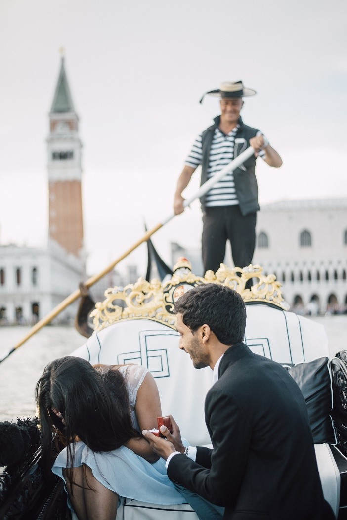 Image 6 of Jes and Nihal's Venice Gondola Proposal