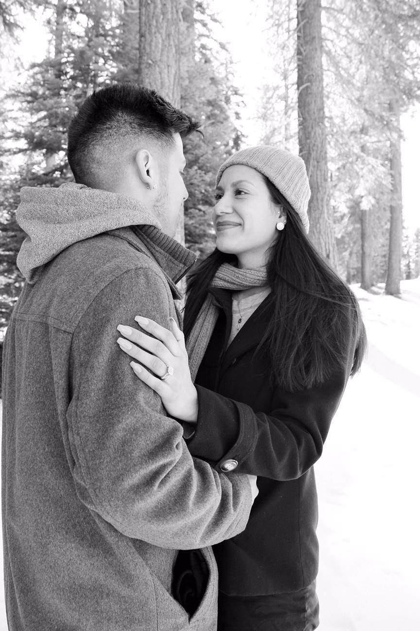 Image 3 of Araceli and Simon's Snowy Proposal