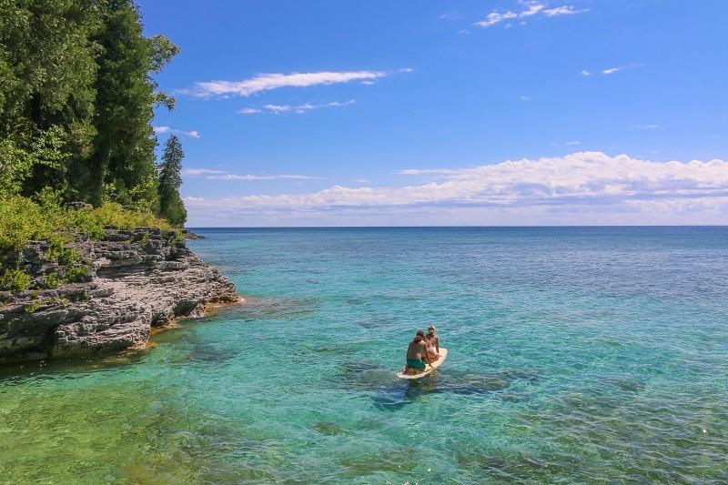Taryn and John Surprise Marriage Proposal on Kayak (2)RS