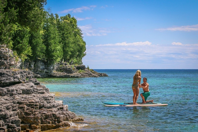 Image 5 of Surprise Proposal in the Middle of Stand-Up Paddleboarding