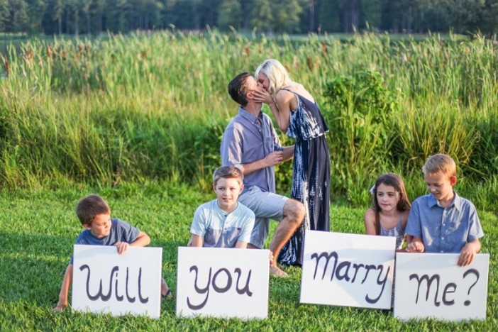 Surprise Proposal During A Family Photoshoot