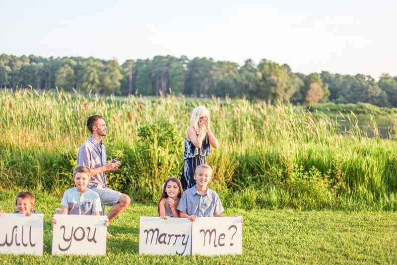 Image 7 of Carla and Daniel's Surprise Proposal During a Family Photoshoot