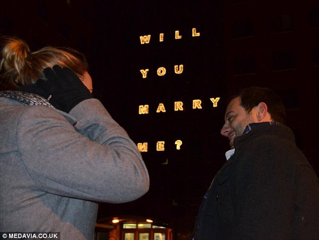 Christmas proposal in the city