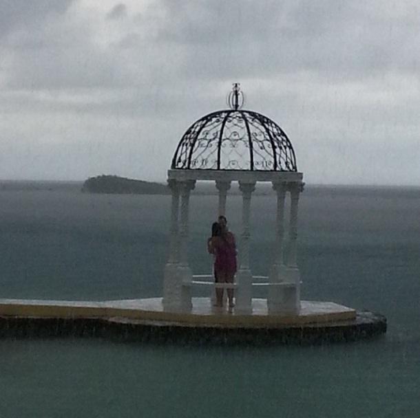instagram-proposal-raining-after